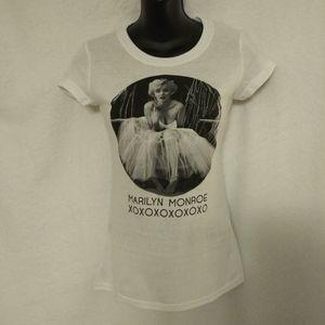 Marilyn Monroe Graphic White Tshirt Size Small